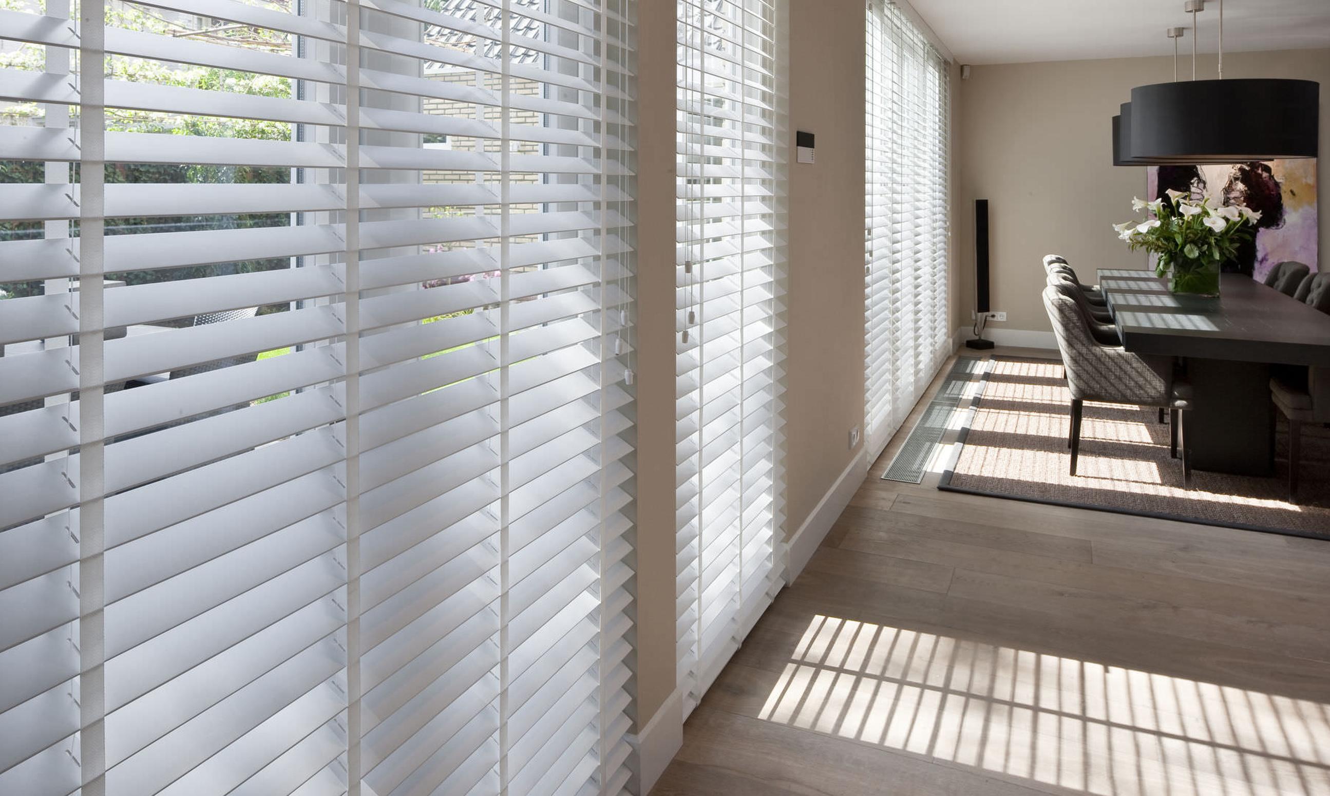 61435-venetian-blinds