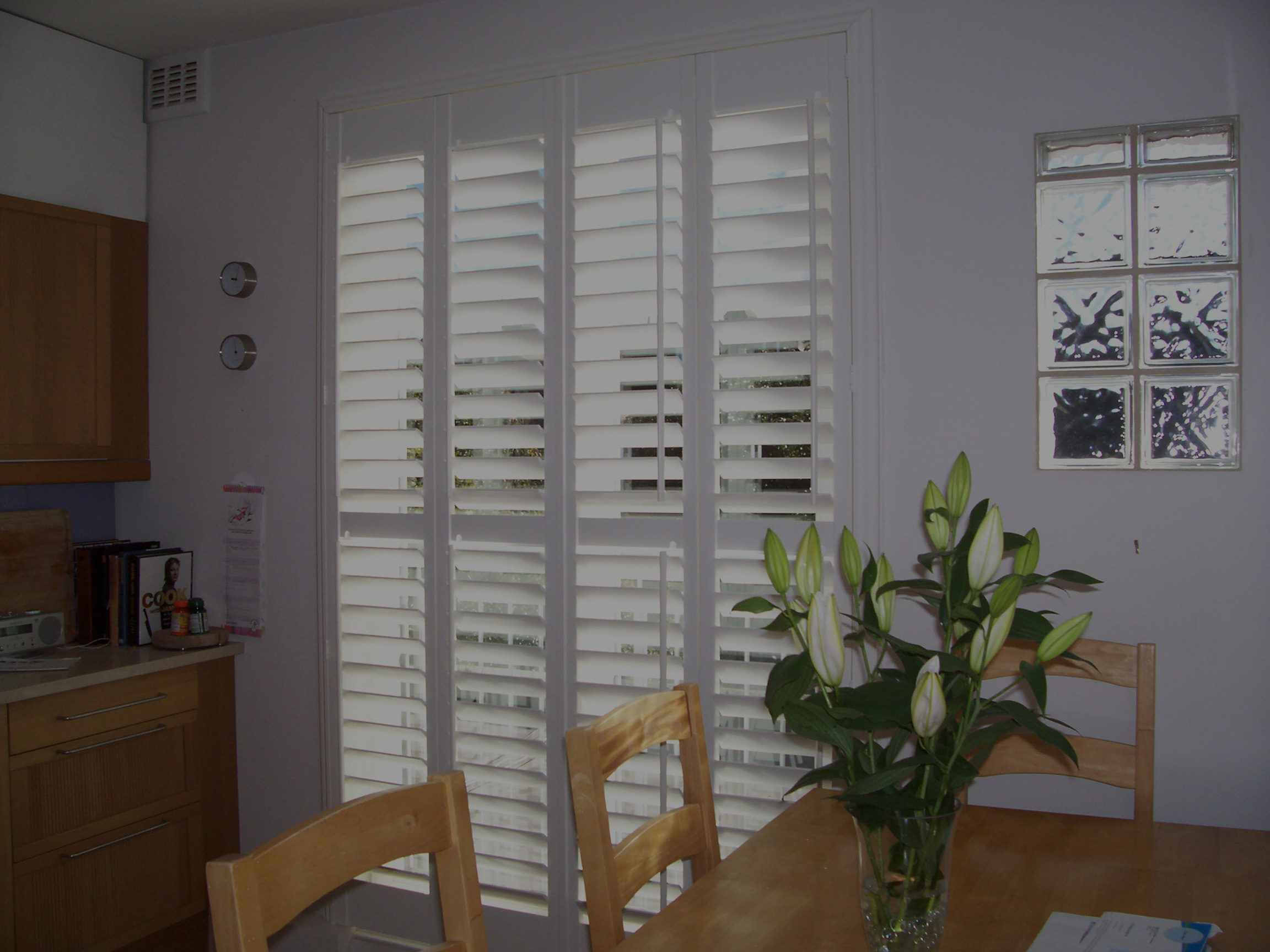 basswood-shutters-top
